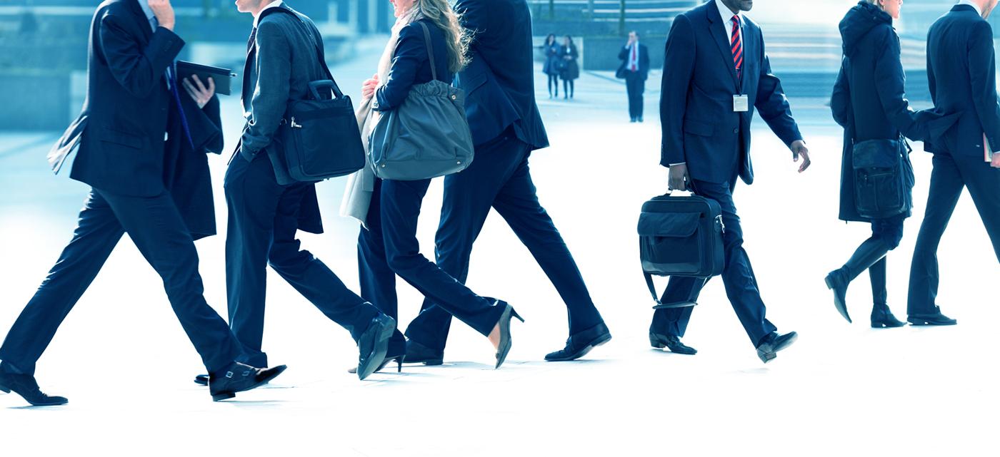 Stockfoto-walking-people